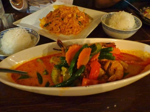 Bodhi Tree Thai Food New York Manhattan Restaurant Avocado Shrimp Curry