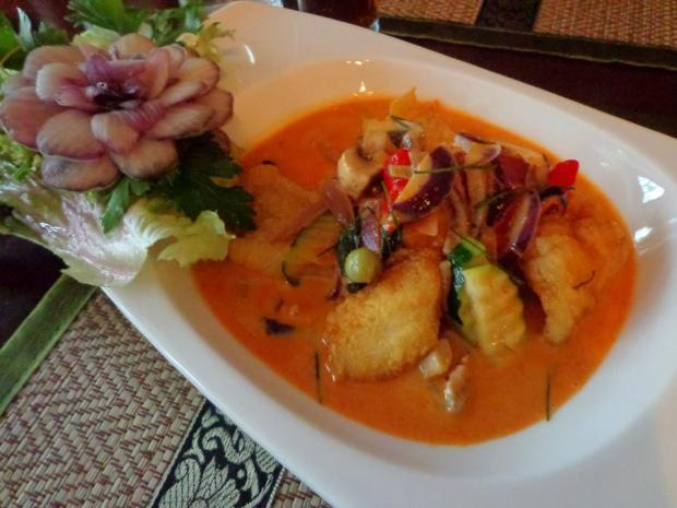 Maenaam Thai Restaurant Amsterdam Plaa Shoe Shie fish